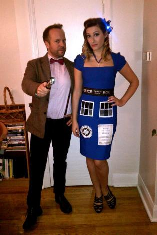 Retro TARDIS cosplay and Eleven