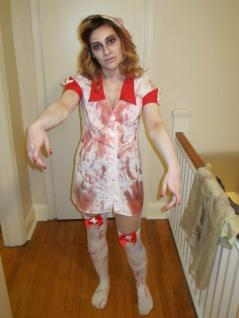 Braaains - The Walking Dead Zombie Cosplay